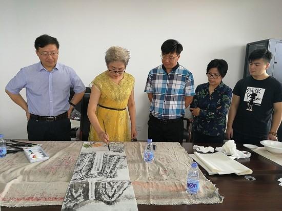 书画家与企业家庆中秋联谊笔会在东台市黄海森林公园圆满举行
