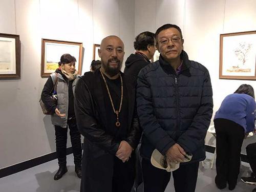 導演,畫家王興君與《年輪》電視劇總導演導鄧迎海在一起