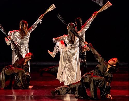 北京舞团专业舞者崔玉哲赴瀚文教育漯河职校校区授课