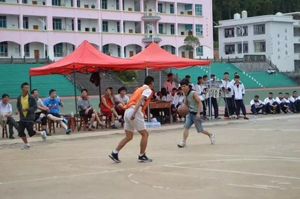 腾冲翡翠加工基地与一职校举行篮球联赛