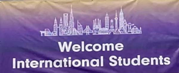 圣迈克学院欢迎国际学生入学报到!