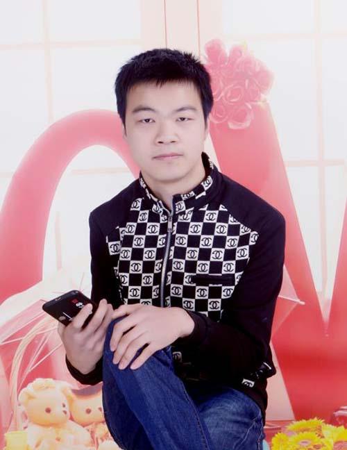 民间艺术家胡锦鹏将剪纸艺术赋予新时代内容
