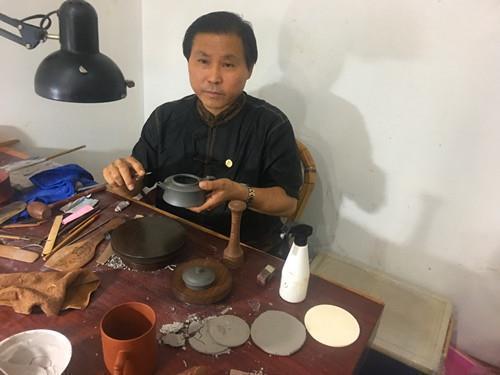 紫砂壶型设计大师吴海龙