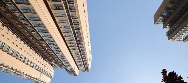 前2月中国18个城市二手房成交量同比降逾五成