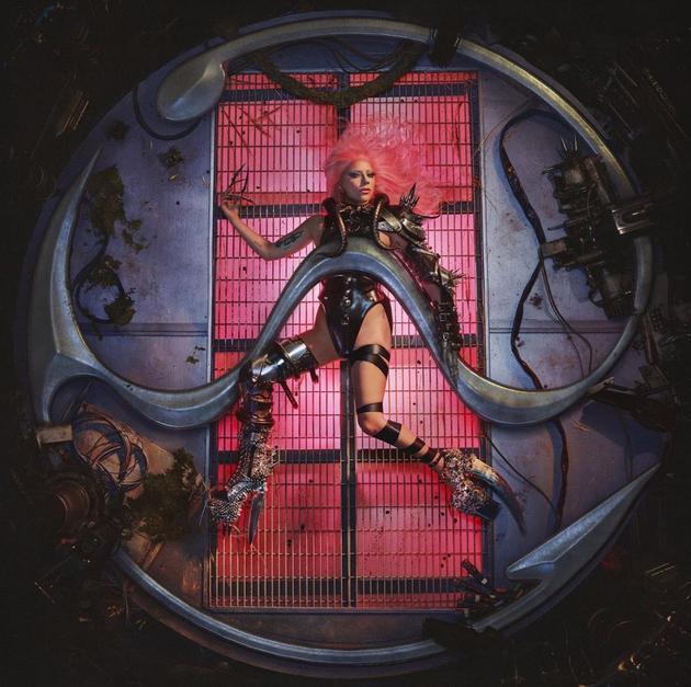 Gaga公布新专辑封面 但发行日期受疫情影响推迟