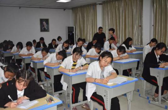 西安旅游职业中等专业学校严明考试纪律 共创优良学风