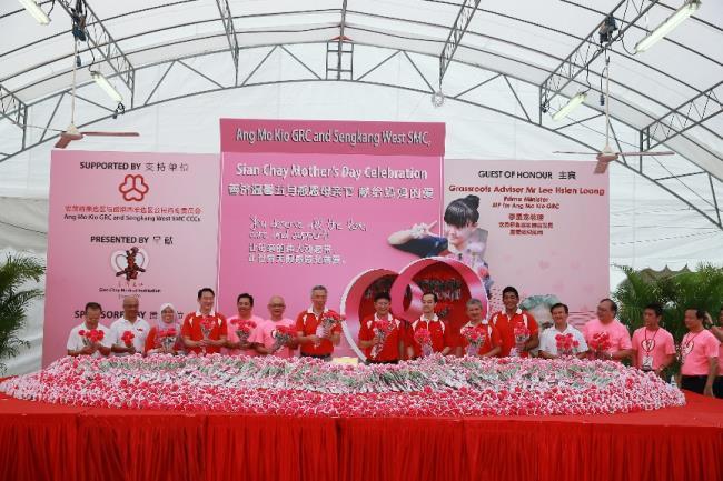 李显龙总理赞扬善济医社主席卓顺发太平绅士对社会的贡献