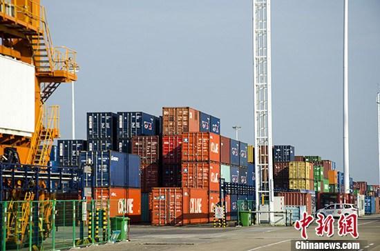 国办:支持出口产品转内销 鼓舞外贸企业网上销售