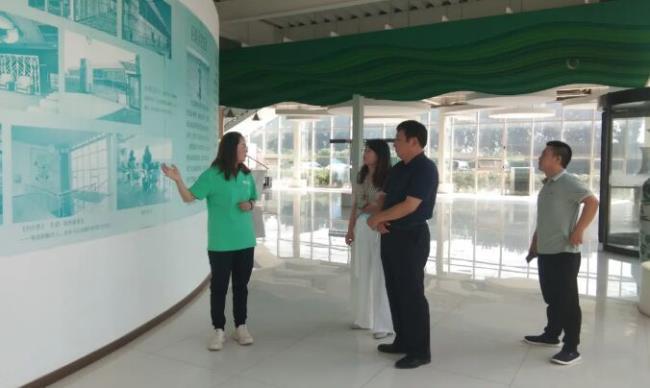 承德市政府副秘书长一行赴北京吉奥集团旗下京承号植物工厂参观指导