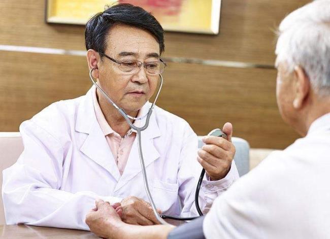 我要健康网——体内血压身高,身体会有什么症状?