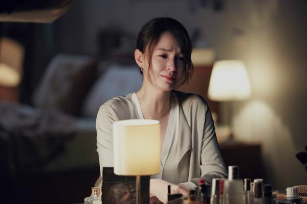 田馥甄《讽刺的情书》MV首发  张榕容跨刀主演