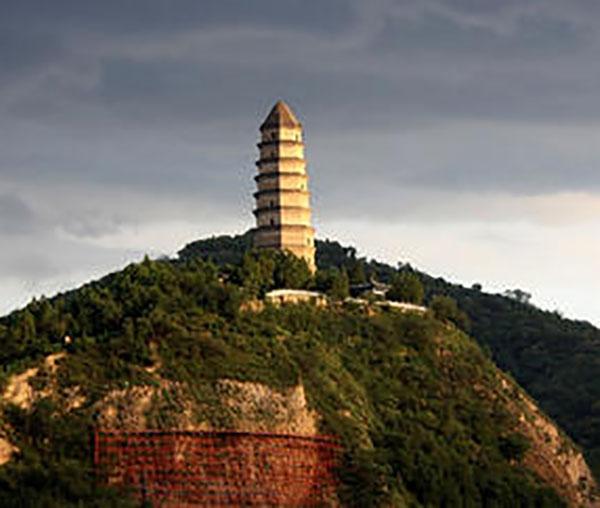 陕西旅游景点推荐:延安宝塔山