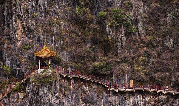 陕西旅游景点推荐:汉中石门栈道风景区