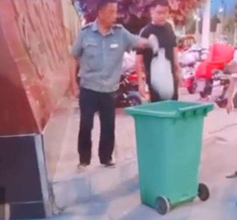 """亳州市教育局:""""中学保安扔掉学生外卖""""  按价赔偿损失"""