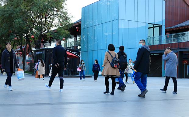 中国辍学学生由去年大约60万人降至2000余人