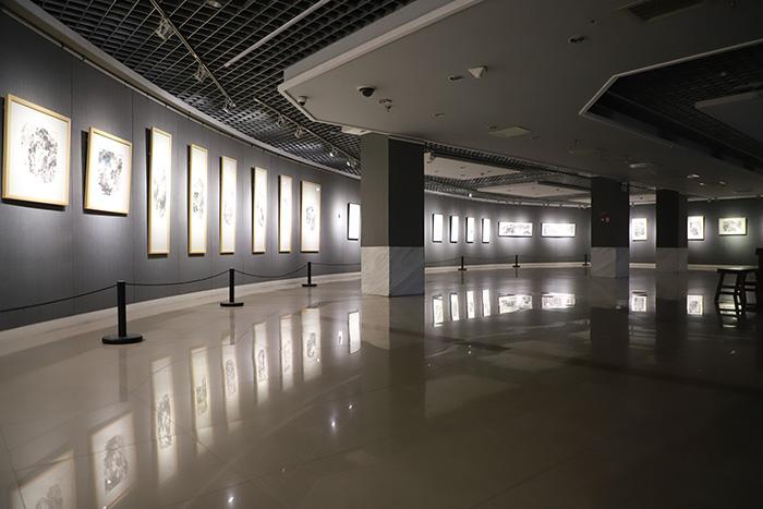 画家党辉《乡间情》山水小品展在西安开幕