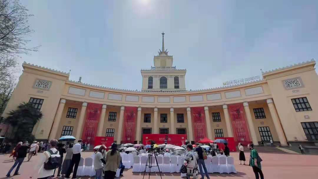 """""""时代号角""""2021云南省大型主题美术创作展正在展出"""
