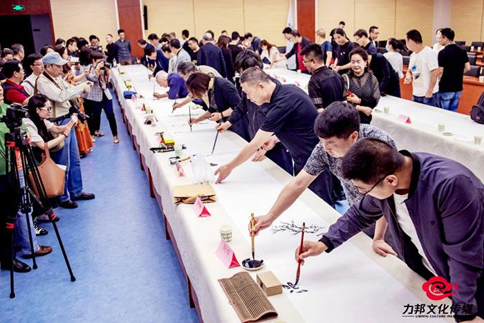 长安文艺志愿者吹响集结号 一千四百米书画长卷再掀创作高潮