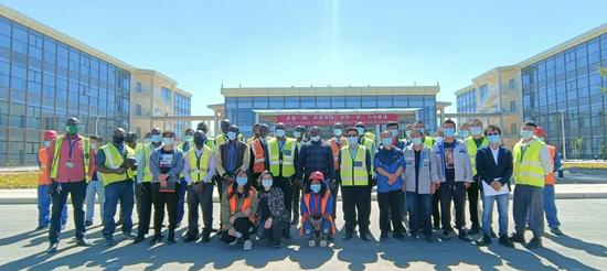 江西国际承建的赞比亚肯尼思·卡翁达国际机场升级扩建项目两座单体建筑移交赞方