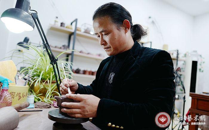 紫砂匠人赵明法:继承传统又注重时代创新